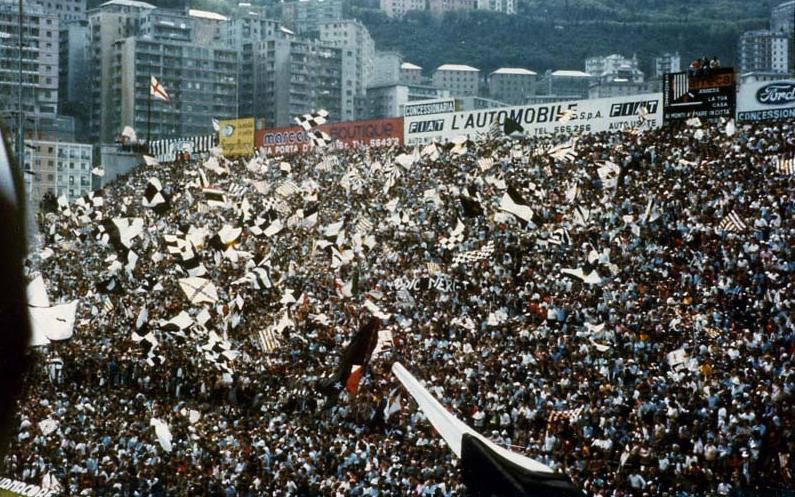 Calciomercato Juventus, addio a Pjanic e Douglas Costa: ecco il nuovo piano di Paratici
