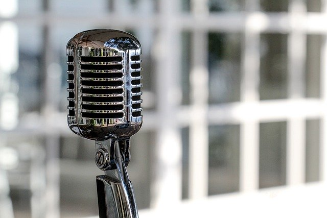 Live Social: come andare in radio e promuovere la propria azienda